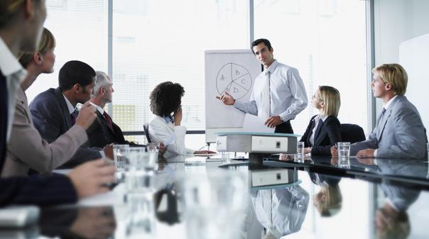 pitch-perfect-venture-capitalist-entrepreneur-board-meeting-business-604